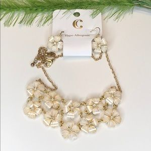 NWT! Charming Charlie Floral Necklace Set White
